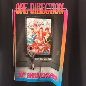 New 1D 10th anniversary limited edition t-shirt